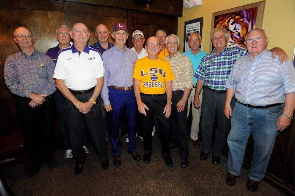 Former baseball players gather to recall clinching 1961 SEC title _lowres