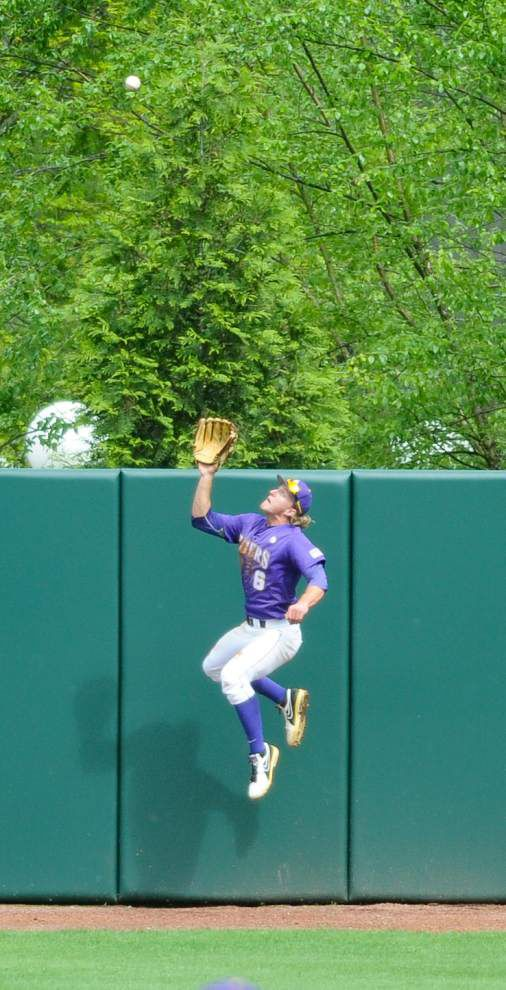 Double aces: LSU gets pitching gems in doubleheader sweep of Georgia _lowres