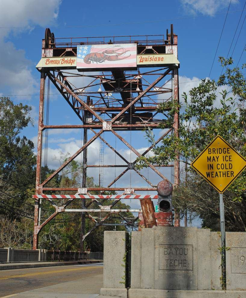Fundraising effort underway to pay for repairs, save iconic Breaux Bridge _lowres