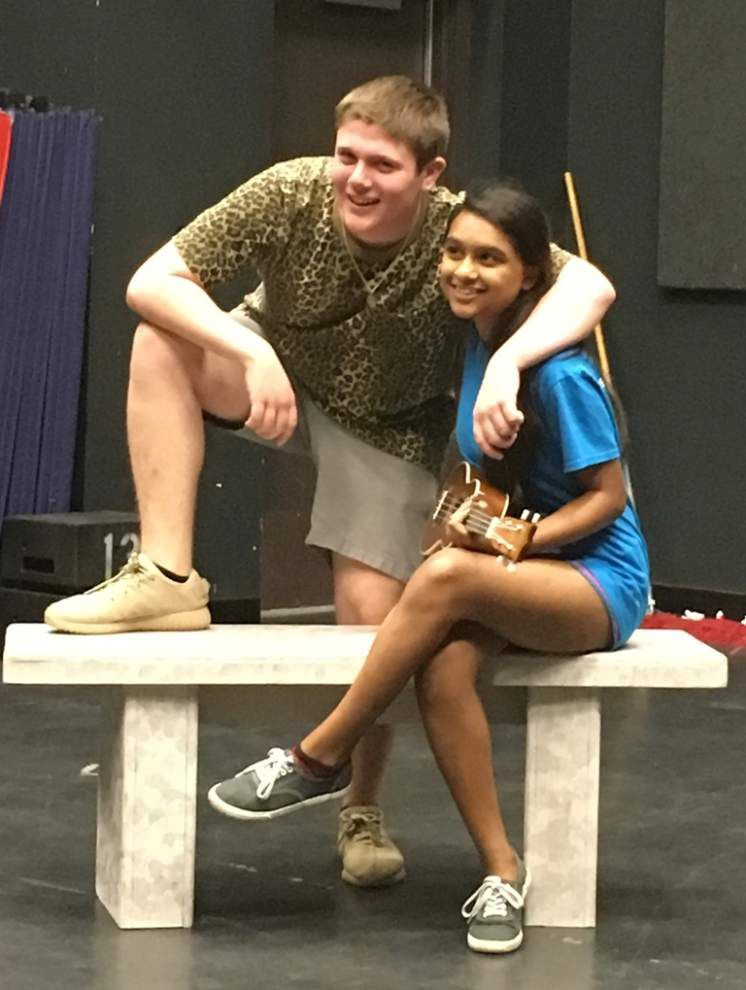 Young actors sink their teeth into Shakespeare's 'Twelfth Night' _lowres