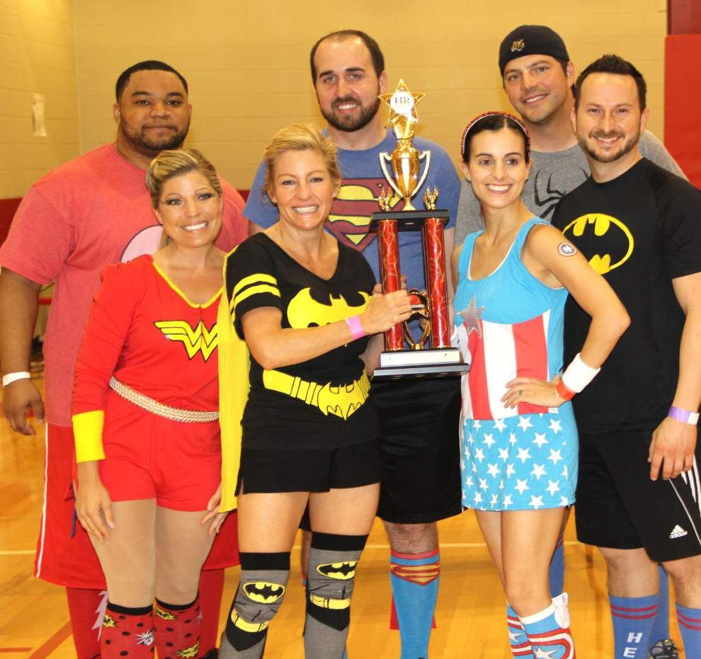 Athletes duck, dive, dip, play dodgeball for children _lowres