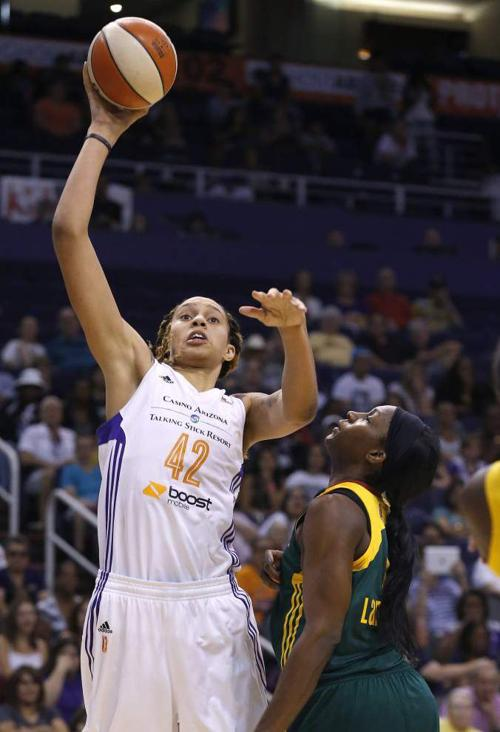 Brittney Griner blossoming in WNBA after tough first year _lowres