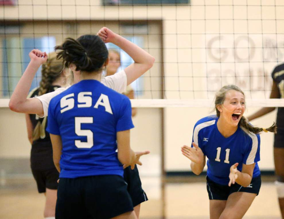 Mount Carmel rolls to sweep of St. Scholastica _lowres