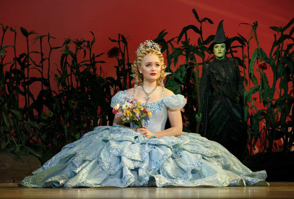 Review: 'Wicked' still casts a spell over audiences _lowres