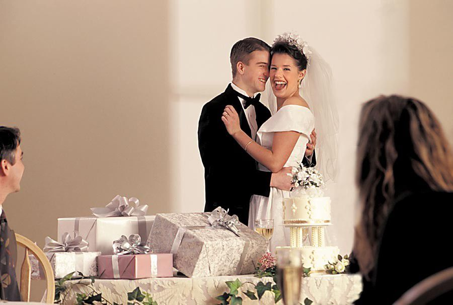 Tips for making the most  of your wedding registry_lowres