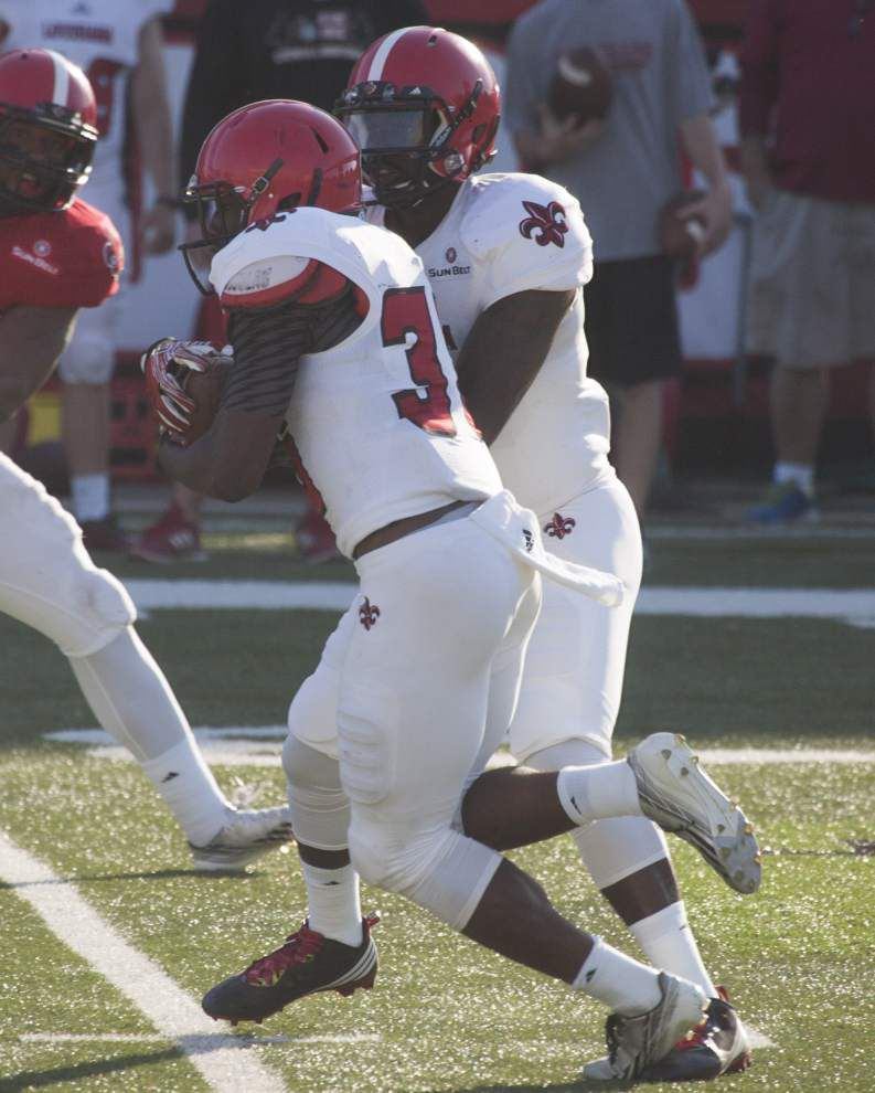Cajuns not racing to conclusion on quarterback _lowres