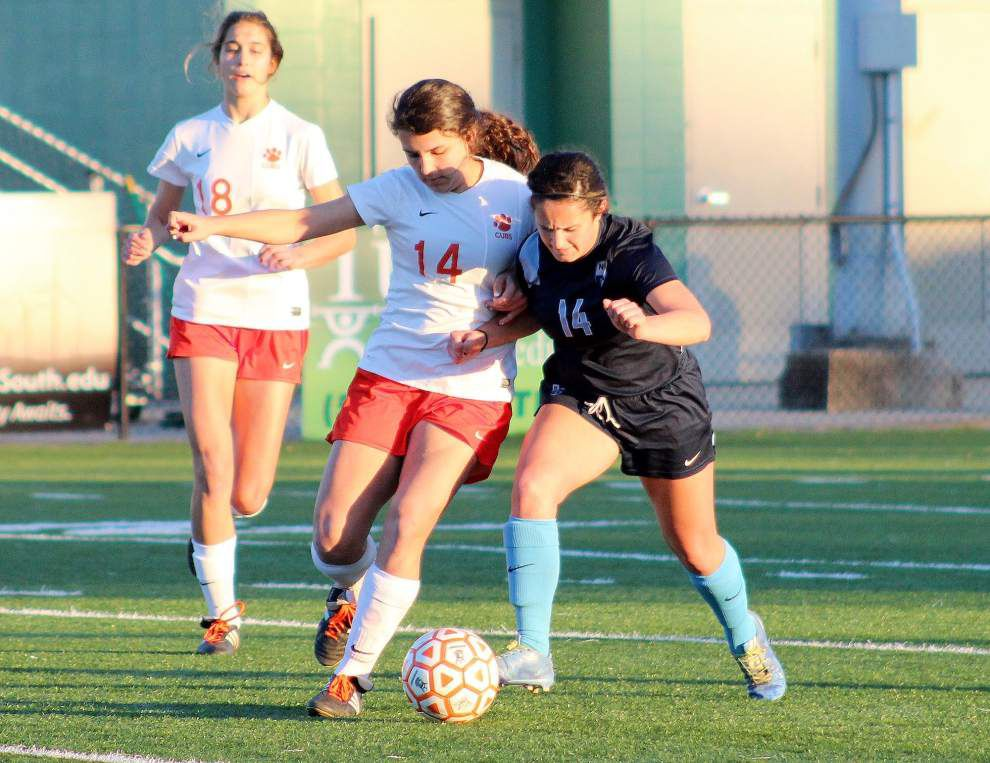 Girls soccer playoffs: Esther Lagos' overtime goal pushes Mount Carmel past Northshore _lowres