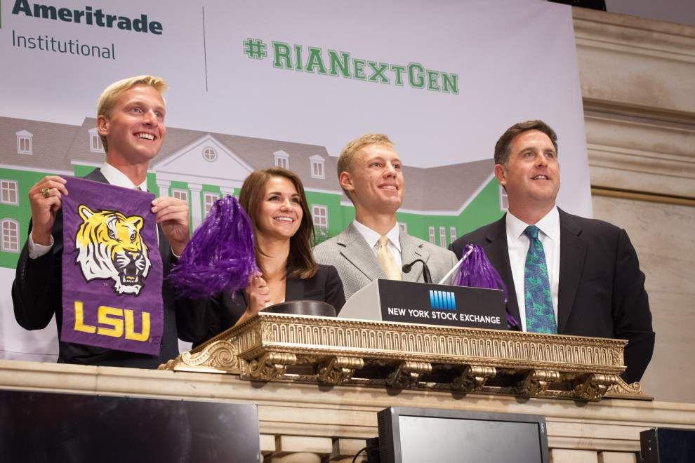 Students visit N.Y. Stock Exchange _lowres