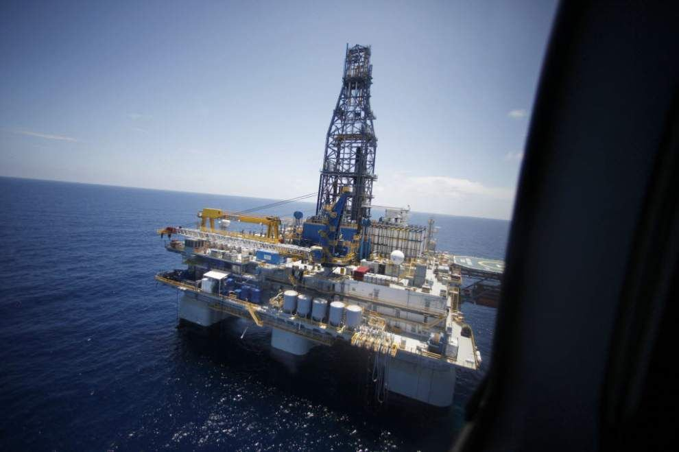 Oil rises to near $103 a barrel on Ukraine unrest _lowres