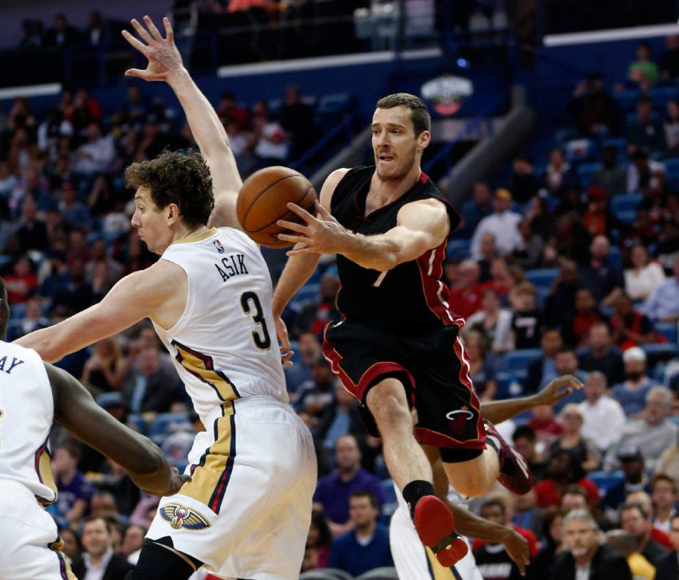 Pelicans battle back but falter late in 113-99 loss to visiting Heat _lowres