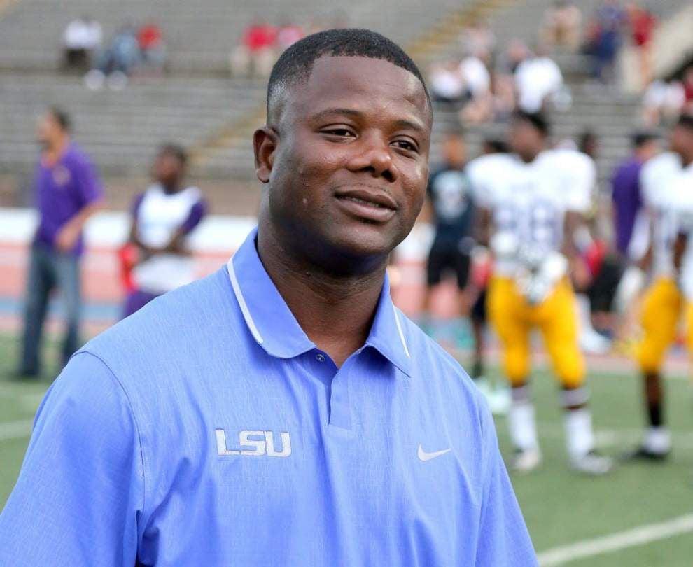 Report: Kentucky offensive coordinator Neal Brown to get Troy job over LSU's Frank Wilson _lowres