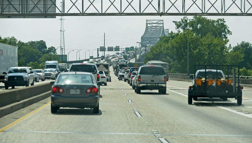 Traffic problems defy quick solutions _lowres