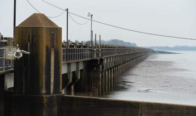 Federal officials warn of Atchafalaya Basin flooding; opening of Morganza Spillway possible as soon as Tuesday _lowres