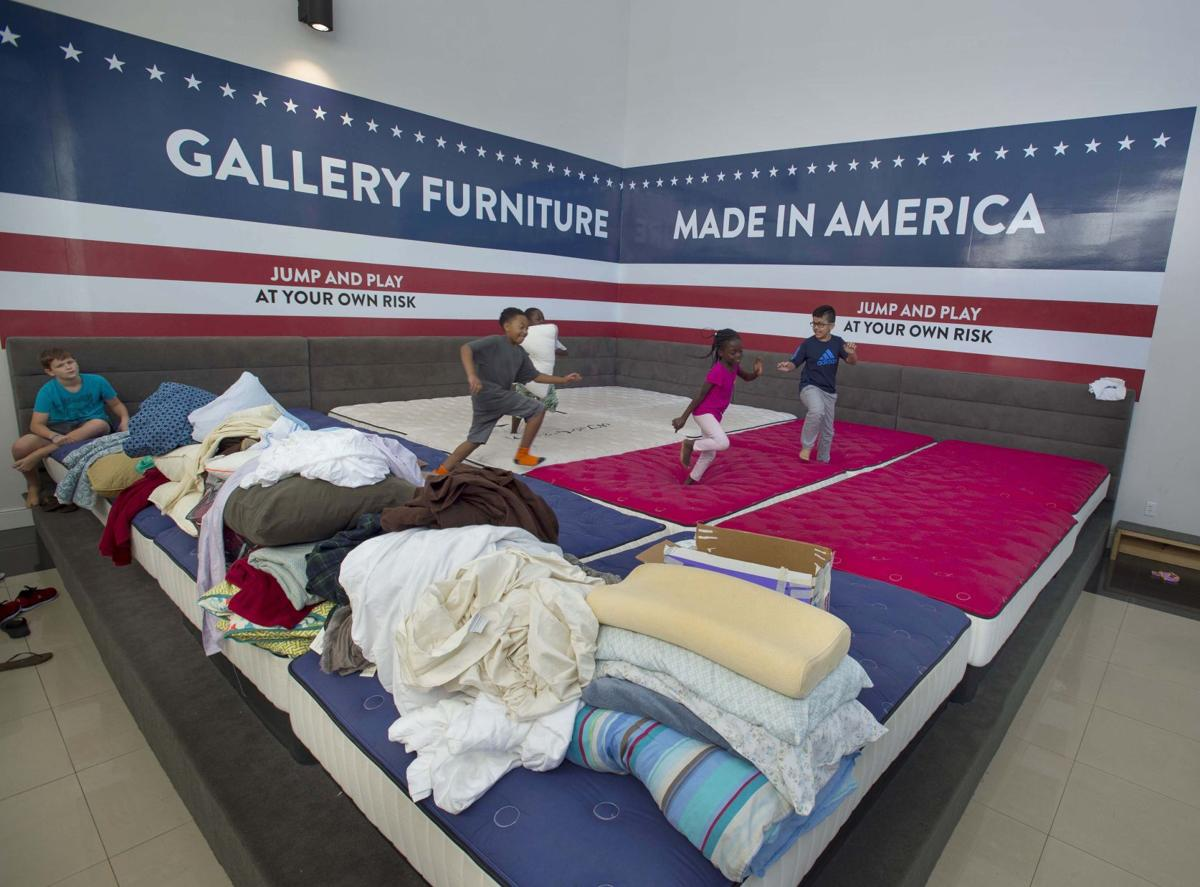Furniture Store Opens Doors To Hundreds Of Evacuees Its About Being A Texan