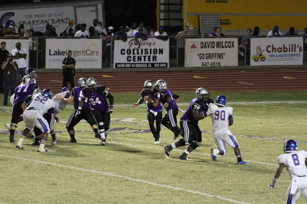 Griffins outlast Spartans 24-14 _lowres
