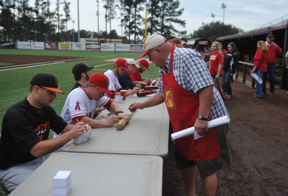 Cajuns baseball notebook: More than 1,500 take in Fan Day festivities; scrimmage provides a glimpse of possible opening-day lineup _lowres