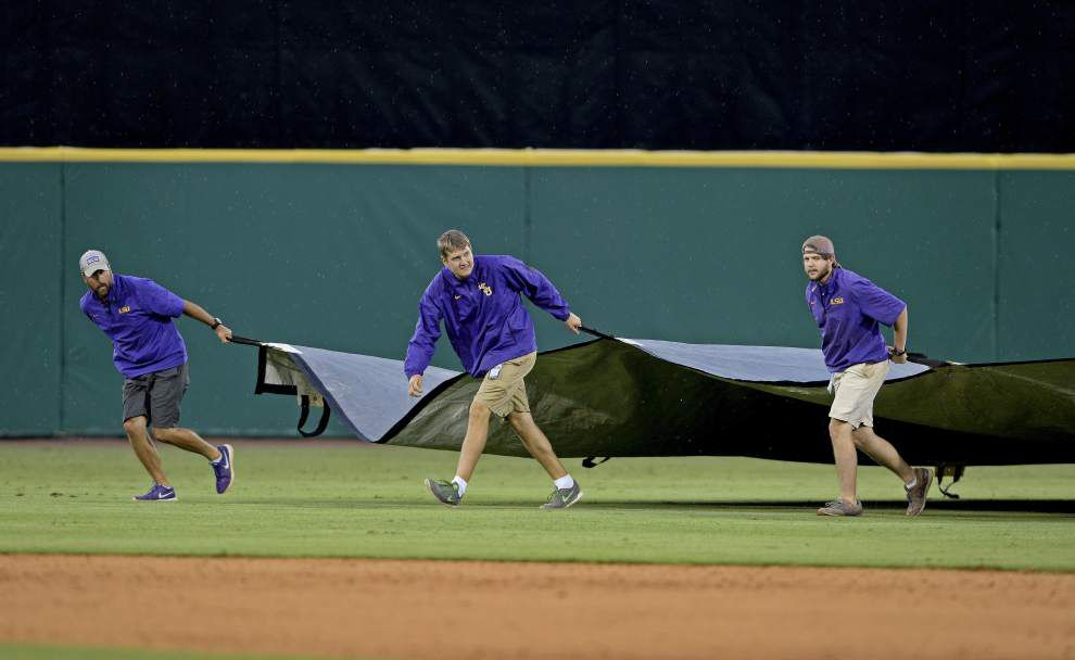 Rainy weekend: Officials plan to talk about 'weather scenarios' Thursday regarding LSU's baseball regional _lowres