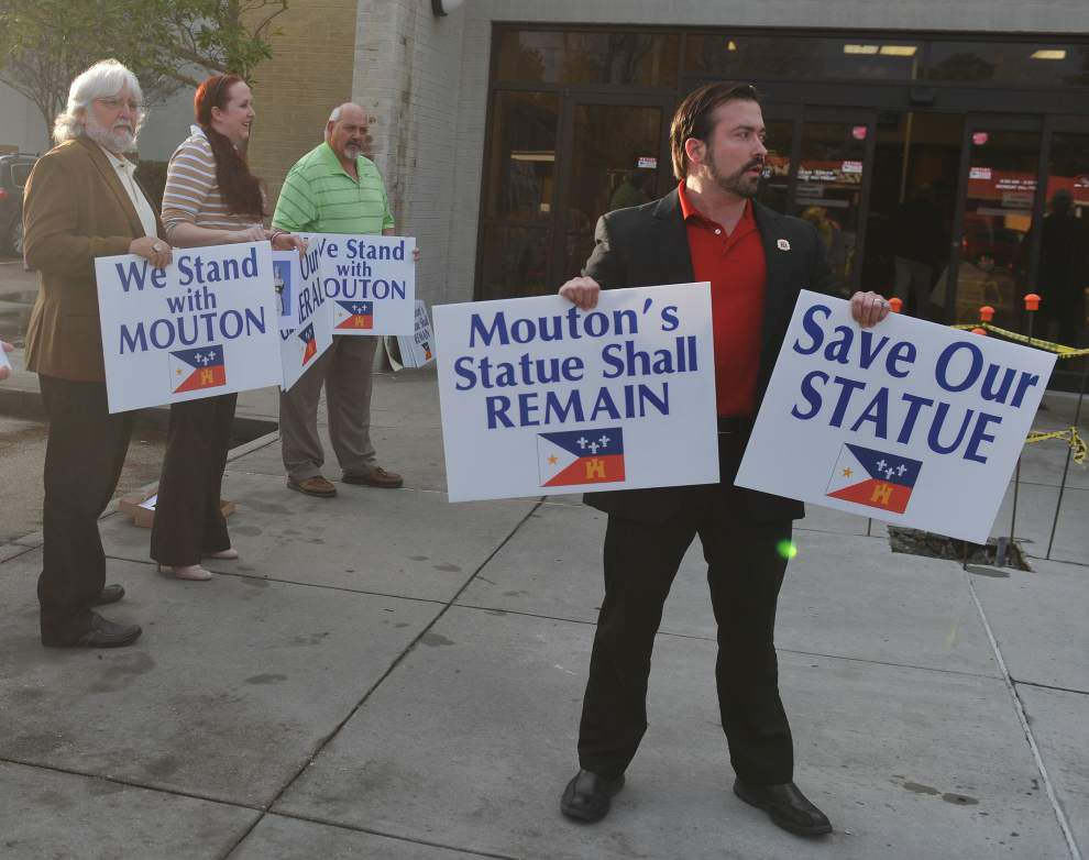 Battle lines drawn: Lafayette council considers removing downtown Confederate statue _lowres