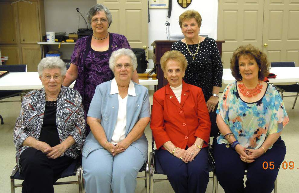 Marine Corps League Auxiliary installs officers _lowres