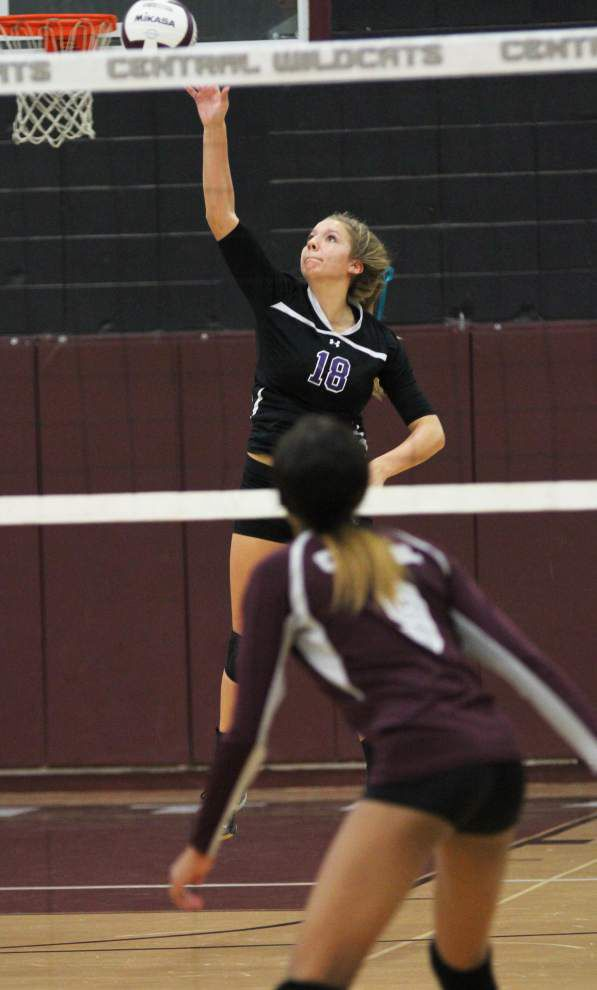 Central beats Sam Houston to advance to state volleyball quarterfinals _lowres