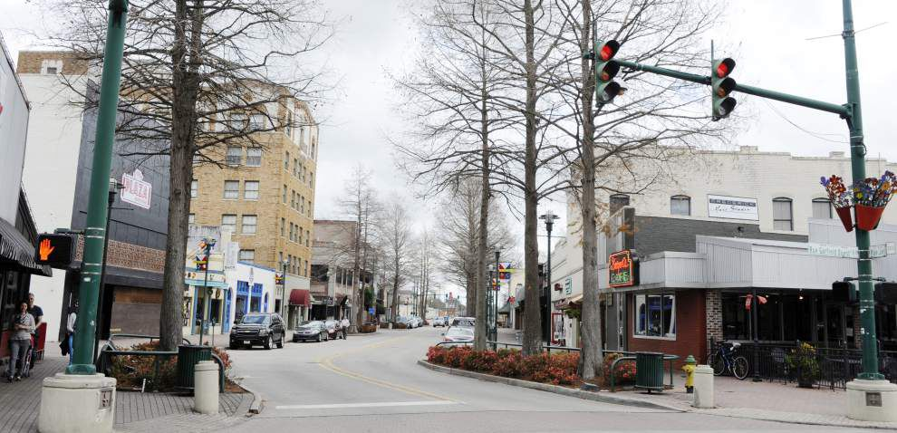Two Lafayette council members want to explore lifting ban on new downtown bars _lowres