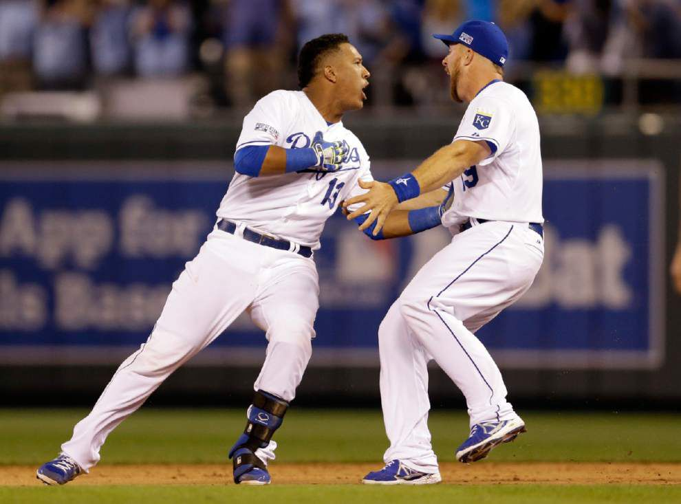 Kansas City Royals edge Oakland 9-8 in 12 innings _lowres