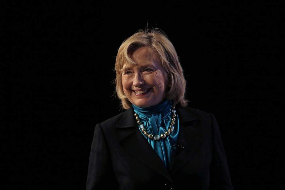 Clinton to encourage reading in Hispanic families _lowres