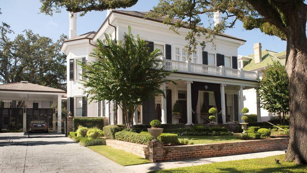 Take a look inside the home of one of New Orleans' most powerful couples, Tom and Gayle Benson _lowres