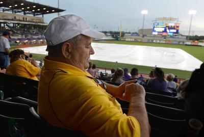 Paul Mainieri left frustrated after rain wipes out finale with Alabama _lowres