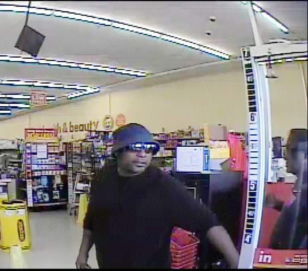 Man strikes Family Dollar employee with pipe, flees with merchandise _lowres