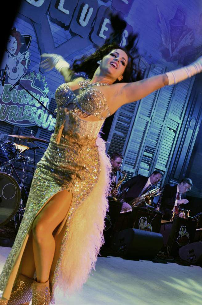 Burlesque Fest to crown a new queen, feature 50 dancers _lowres