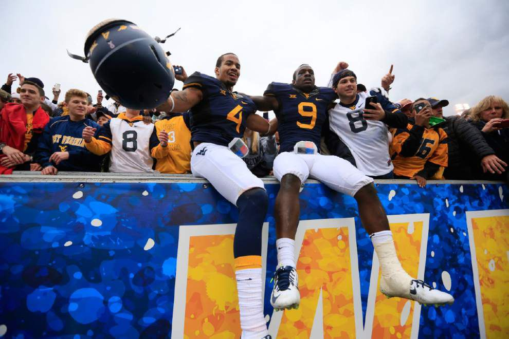 West Virginia trips up Baylor, hands No. 4-ranked Bears their first loss _lowres