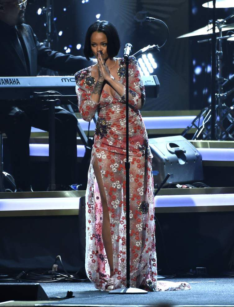 Rihanna's New Orleans concert has been rescheduled for May _lowres