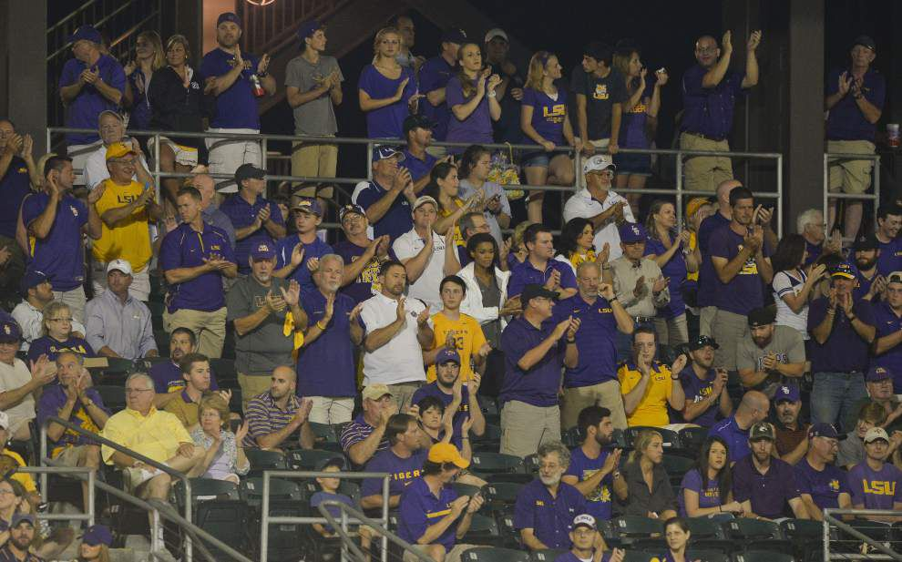 Rabalais: Late, late show with Alex Lange gave LSU baseball fans plenty to stick around for _lowres