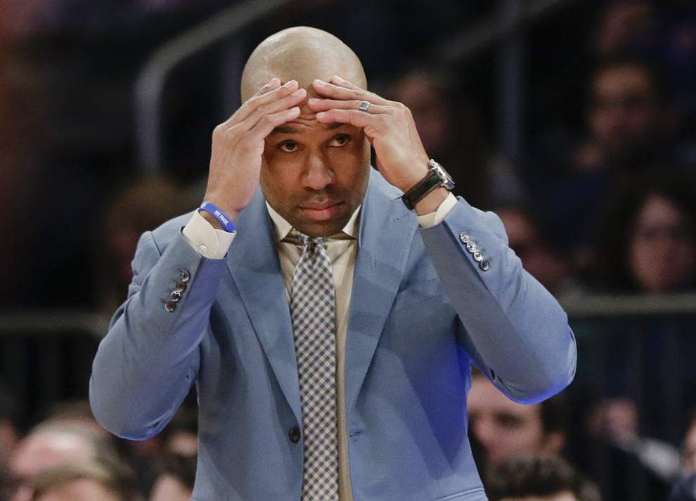 Video: N.Y. Knicks coach Derek Fisher praises the maturity of Pelicans coach Anthony Davis, but is against the idea of being a player coach _lowres