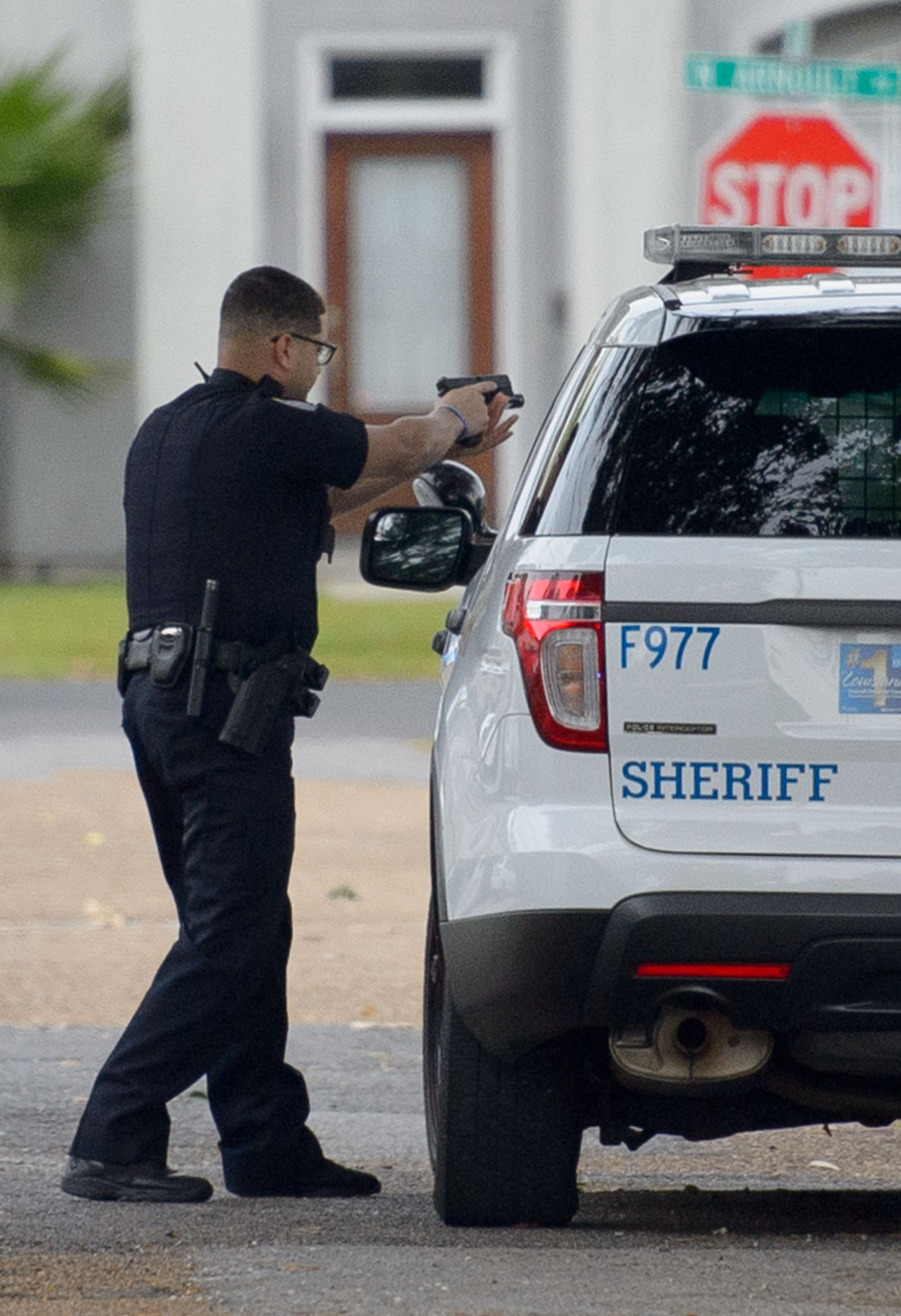 man in metairie domestic dispute shoots jefferson parish