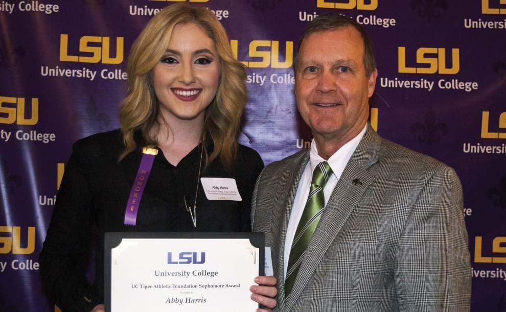 LSU University College presents spring awards _lowres