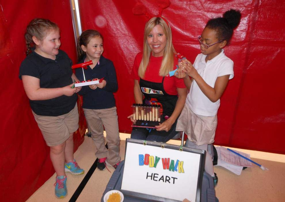 Walk gives pupils a healthy dose of knowledge _lowres