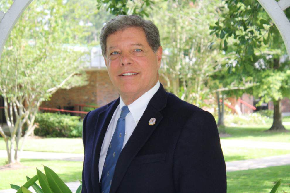 James Gill: Mandeville Mayor Donald Villere should have just accepted the ticket after caught urinating on Causeway _lowres