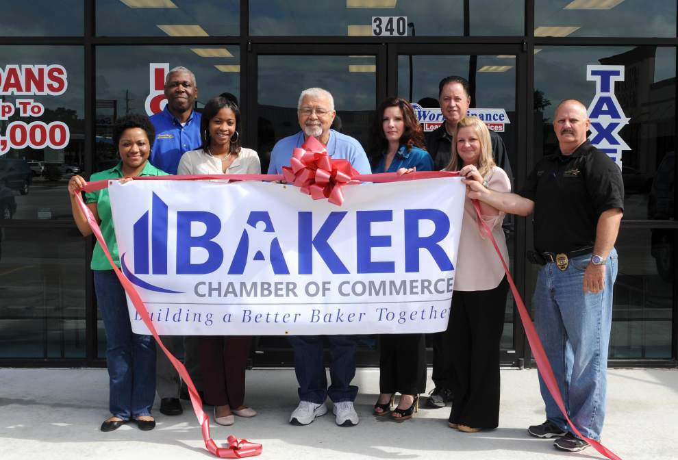 World Finance Corp. celebrates Baker opening _lowres