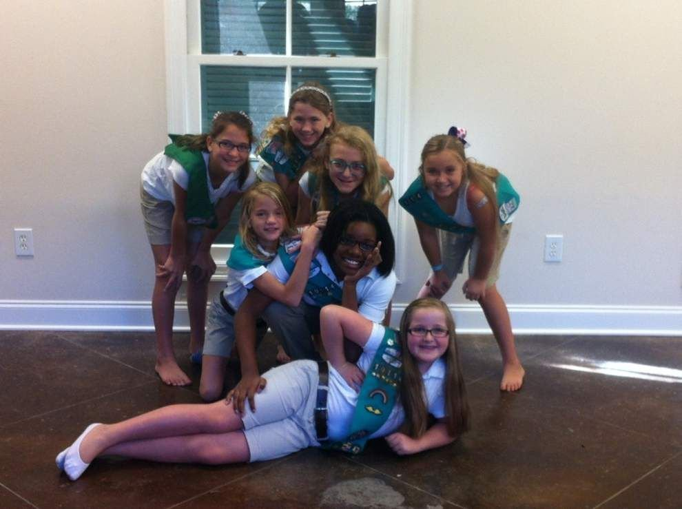 7 Girl Scouts earn Bronze Award _lowres