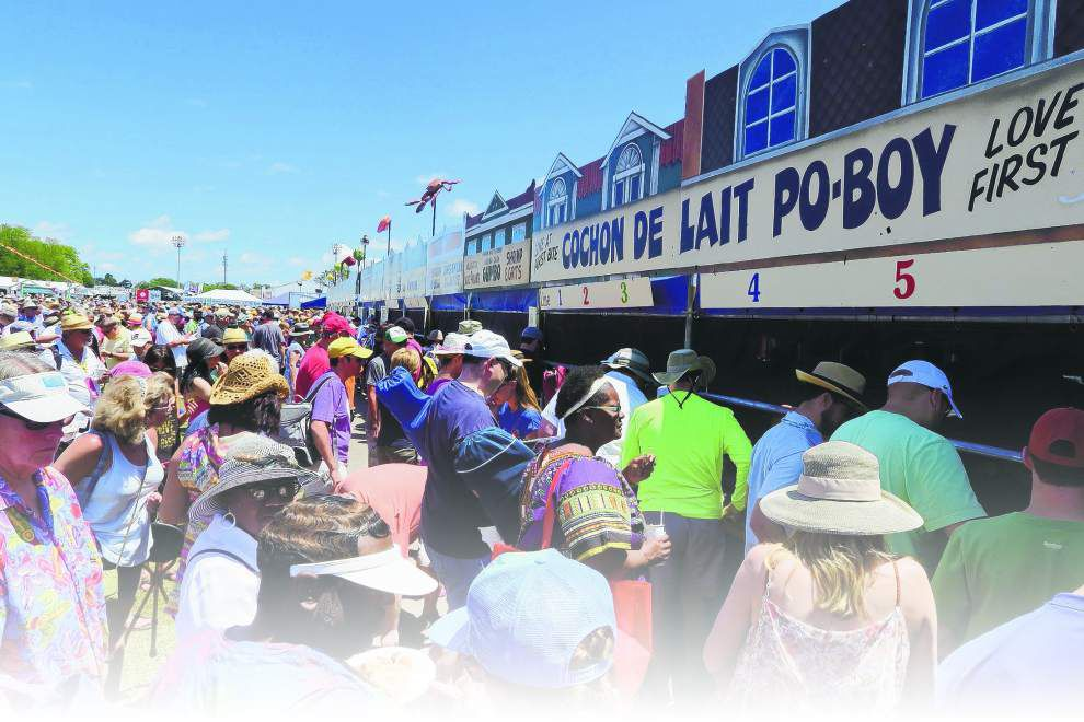 Jazz Fest food etiquette: Walk first, eat second; cash is king; shade is sacred _lowres