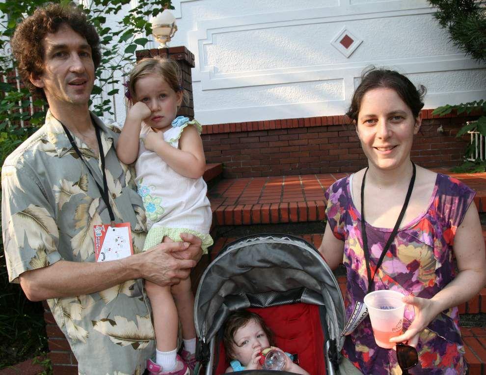 La Vie De Ville: Faubourg St. John's holds Porch Crawl for a Cause _lowres