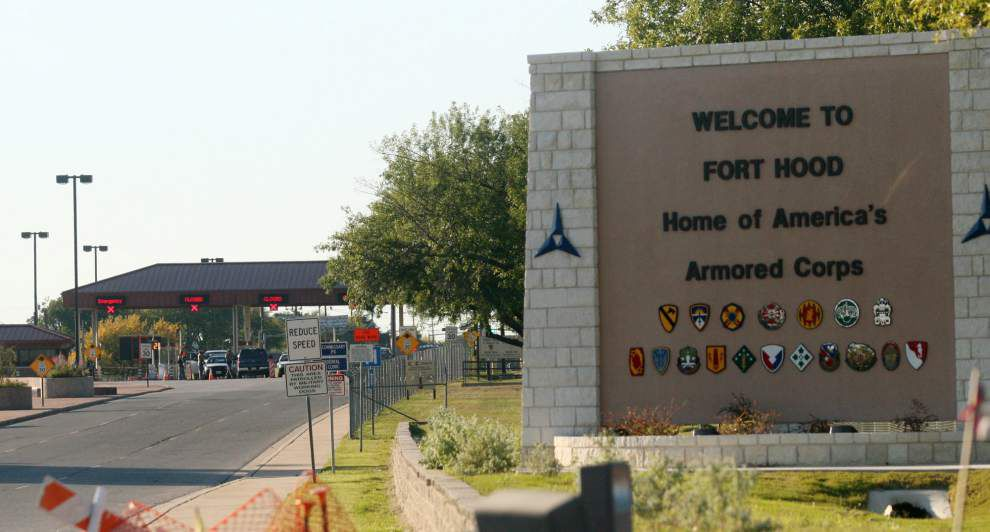 Officials: 4 dead, 14 injured in Fort Hood shooting _lowres
