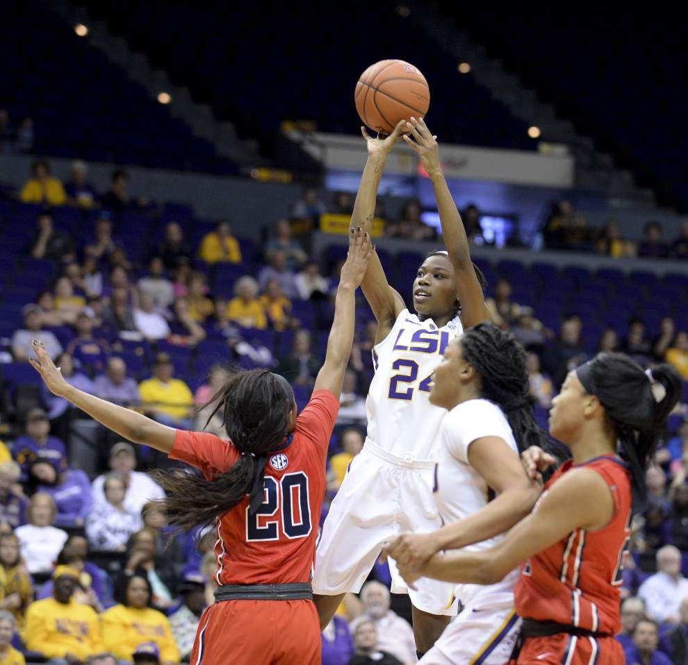 Final two games offer opportunity, danger for Lady Tigers _lowres