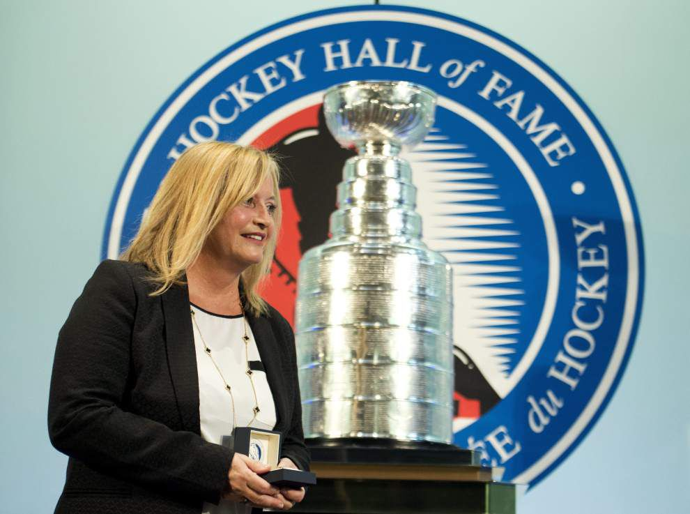 Burns joins Hockey Hall of Fame _lowres