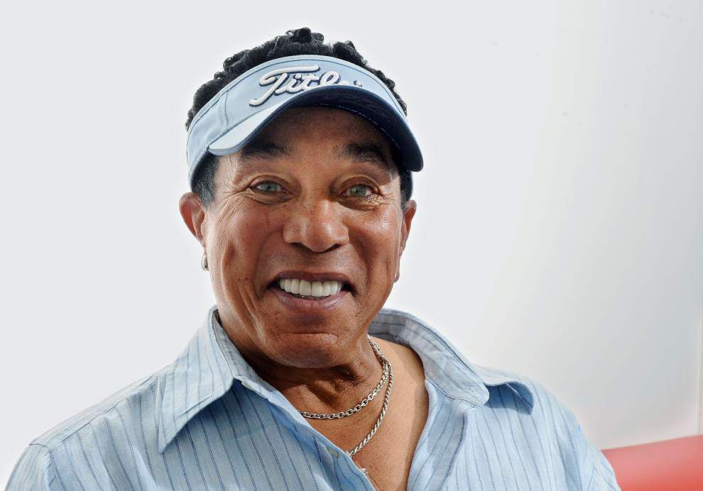 Smokey Robinson, still writing, duets with friends _lowres