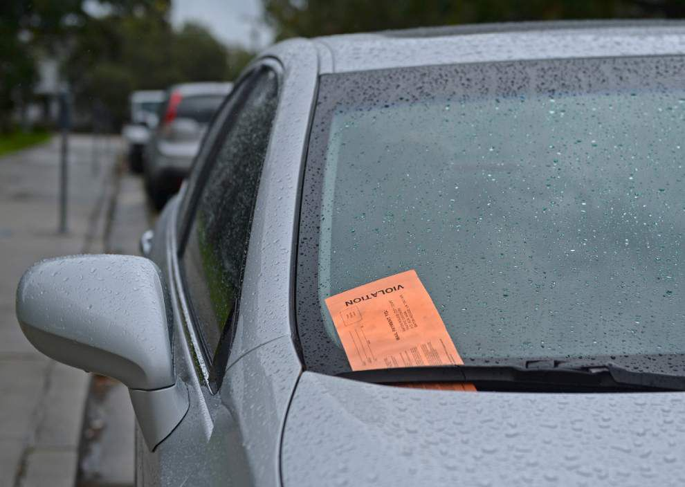 Ask The Advocate: Pet peeves on parking scofflaws, update on Kenilworth sidewalks _lowres