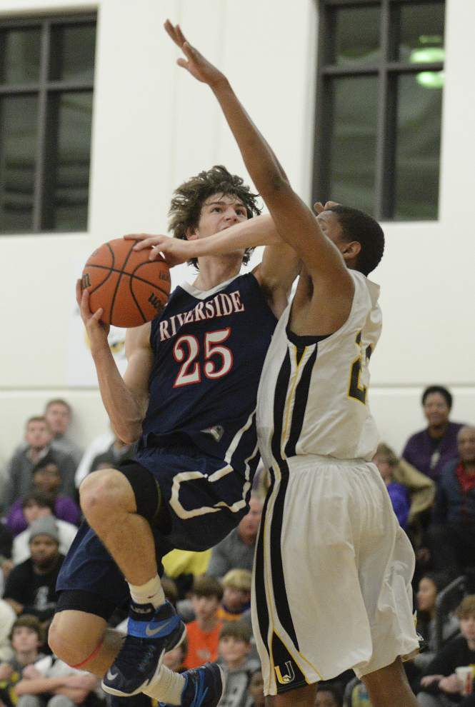 Riverside heats up in final quarter to beat University High _lowres