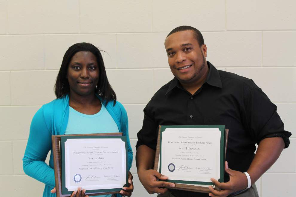 School Board honors support personnel _lowres